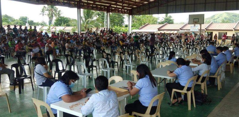 Mayor Alfred Romualdez, NHA otro nanhatag hin Tuna-Pabahay Titles
